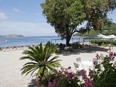 Image 4 | Impressive  luxury villa for sale by the sea  on the island of Elba 170546