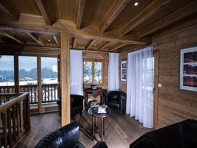 Image 2 | Magnificent Renovated Chalet with Boutique Hotel Potential 170739