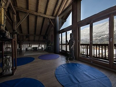 Image 7 | Magnificent Renovated Chalet with Boutique Hotel Potential 170739