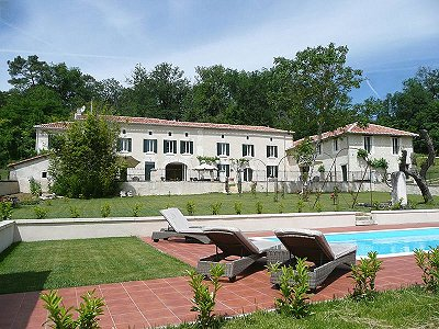 Stunning B&B Business for Sale in the Auberterre sur Dronne area of Charente