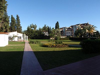 Image 13   3 bedroom villa for sale with 0.4 hectares of land, Puerto Banus, Malaga Costa del Sol, Andalucia 171324