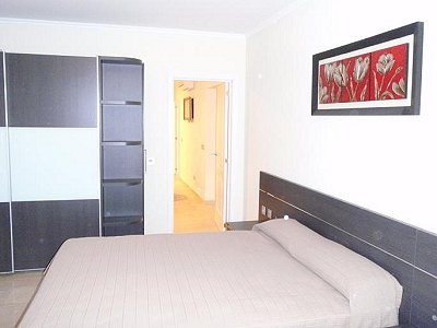 Image 5   3 bedroom villa for sale with 0.4 hectares of land, Puerto Banus, Malaga Costa del Sol, Andalucia 171324
