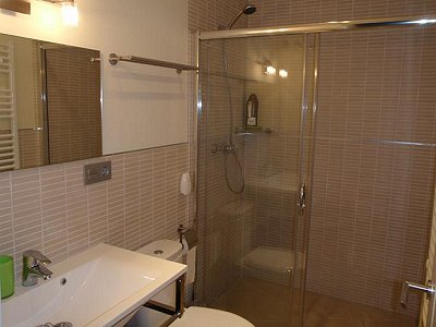 Image 7   3 bedroom villa for sale with 0.4 hectares of land, Puerto Banus, Malaga Costa del Sol, Andalucia 171324