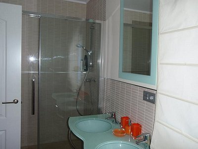Image 9   3 bedroom villa for sale with 0.4 hectares of land, Puerto Banus, Malaga Costa del Sol, Andalucia 171324