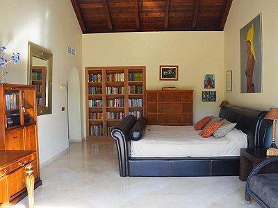 Image 6   5 bedroom penthouse for sale, Puerto Banus, Malaga Costa del Sol, Andalucia 171337