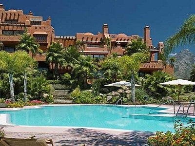 3 bedroom penthouse for sale, Puerto Banus, Malaga Costa del Sol, Andalucia
