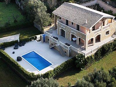 Image 1   5 bedroom villa for sale with 9,000m2 of land, Santa Maria del Cami, Central Mallorca, Mallorca 171663