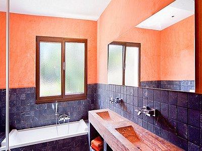 Image 11   5 bedroom villa for sale with 9,000m2 of land, Santa Maria del Cami, Central Mallorca, Mallorca 171663