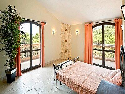 Image 12   5 bedroom villa for sale with 9,000m2 of land, Santa Maria del Cami, Central Mallorca, Mallorca 171663