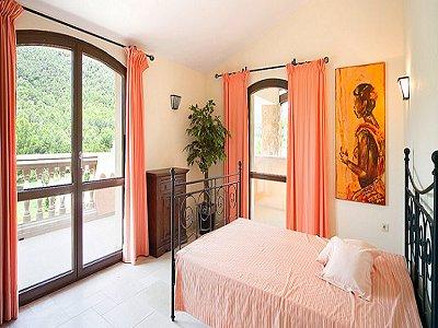 Image 14   5 bedroom villa for sale with 9,000m2 of land, Santa Maria del Cami, Central Mallorca, Mallorca 171663