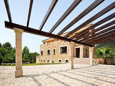 Image 3   5 bedroom villa for sale with 9,000m2 of land, Santa Maria del Cami, Central Mallorca, Mallorca 171663