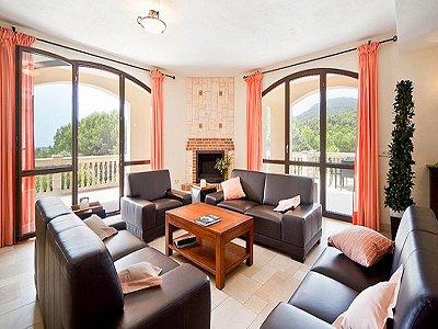 Image 7   5 bedroom villa for sale with 9,000m2 of land, Santa Maria del Cami, Central Mallorca, Mallorca 171663