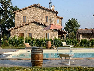 Image 1 | 7 bedroom farmhouse for sale with 2.8 hectares of land, Orvieto, Terni, Umbria 172365
