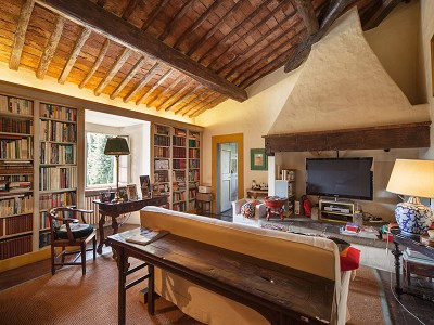 Image 18 | 17 bedroom manor house for sale with 26 hectares of land, Val d'Arno, Florence, Tuscany 172429