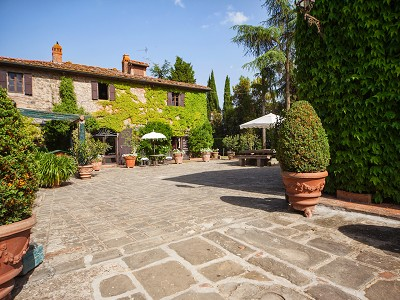 Image 2 | 17 bedroom manor house for sale with 26 hectares of land, Val d'Arno, Florence, Tuscany 172429