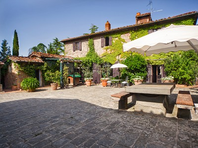 Image 3 | 17 bedroom manor house for sale with 26 hectares of land, Val d'Arno, Florence, Tuscany 172429