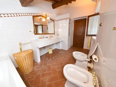 Image 18   5 bedroom farmhouse for sale with 33 hectares of land, Podere Campanile, Radda in Chianti, Siena, Chianti Wine Region 172438