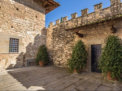 Image 11 | Luxury Castle for Sale with Vineyard in Tuscany 172662