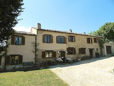 Farmhouse in Santa Vittoria, Marche for sale with land.  Could easily convert to B and B.