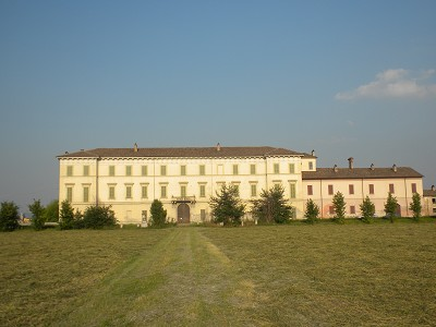 Impressive XVIIIth century substantial property  for sale near Milan