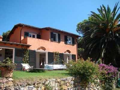 Image 3   7 bedroom villa for sale with 1 hectares of land, La Cannelle, Grosseto, Tuscany 173271