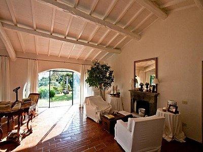 Image 2   4 bedroom villa for sale with 1,000m2 of land, Porto Santo Stefano, Grosseto, Tuscany 173413