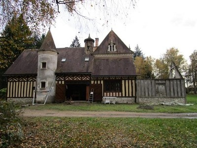 Image 3 | 3 bedroom manor house for sale with 40,000m2 of land, Le Lude, Sarthe , Loire Valley 173678