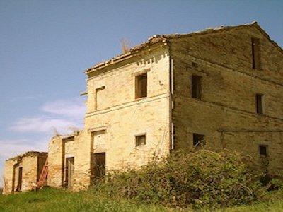 Ruin to Custom Restore in Mogliano, Marche for sale with 5000m2 of land.