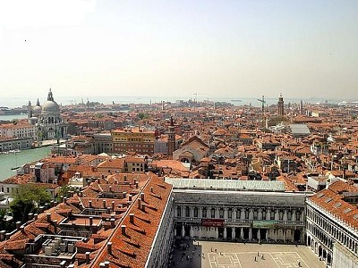 Image 2 | Attractive Hotels in Venice for Sale 174008