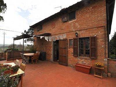 2 bedroom farmhouse for sale, Castiglione del Lago, Perugia, Umbria