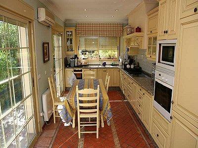 Image 8 | 6 bedroom villa for sale with 1,648m2 of land, San Pedro Playa, San Pedro de Alcantara, Malaga Costa del Sol, Andalucia 174172