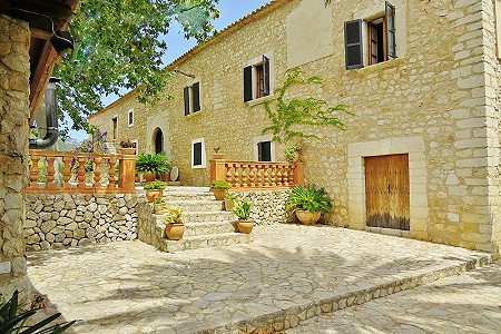 6 bedroom farmhouse for sale, Alaro, Central Mallorca, Mallorca