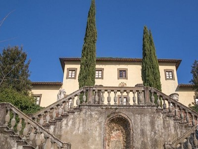Image 3 | Prestigious 50 bedroom potential hotel with golf course in Tuscany 174945