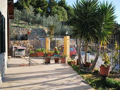 Image 4 | 3 bedroom villa for sale with 1,500m2 of land, Bordighera, Imperia, Liguria 174993