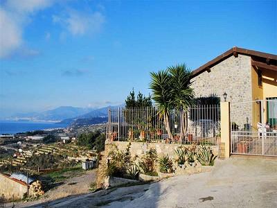 Image 8 | 3 bedroom villa for sale with 1,500m2 of land, Bordighera, Imperia, Liguria 174993