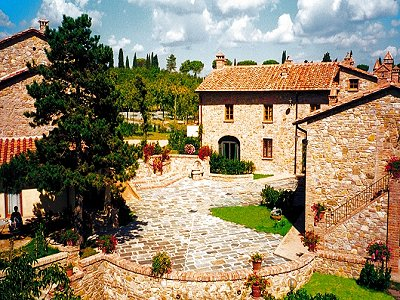 14 Holiday apartments and a successful Agriturismo business including vineyard in Tuscany