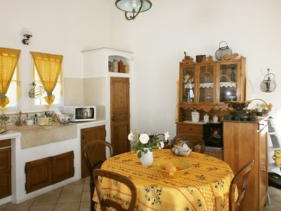Image 8 | 2 bedroom farmhouse for sale with 0.47 hectares of land, Lorgues, Var , Provence 176592