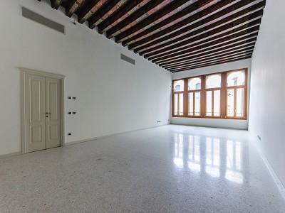 2 bedroom apartment for sale, San Polo, Venice, Veneto