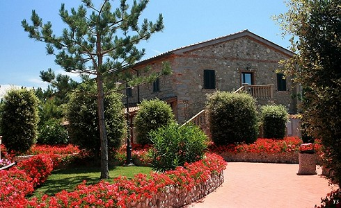 Image 2 | 95 bedroom hotel for sale with 4.07 hectares of land, Campagna Toscana, Pisa, Tuscany 176932