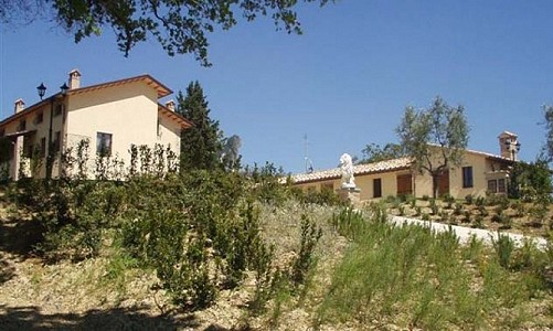 12 bedroom property complex, in Citta di Castello, Umbria for sale with 20000m2 of land