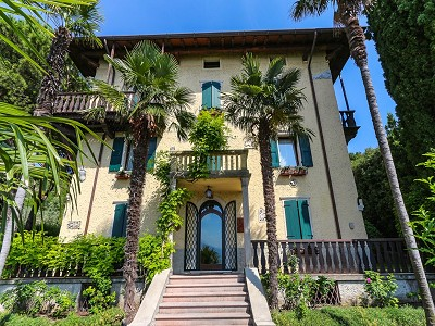 9 bedroom villa for sale, Torri del Benaco, Verona, Lake Garda