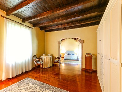 Image 13   9 bedroom villa for sale with 0.46 hectares of land, Torri del Benaco, Verona, Lake Garda 177312