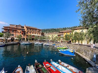 Image 16   9 bedroom villa for sale with 0.46 hectares of land, Torri del Benaco, Verona, Lake Garda 177312