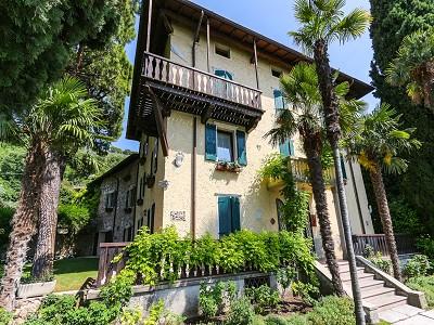 Image 3   9 bedroom villa for sale with 0.46 hectares of land, Torri del Benaco, Verona, Lake Garda 177312