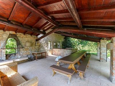 Image 6   9 bedroom villa for sale with 0.46 hectares of land, Torri del Benaco, Verona, Lake Garda 177312