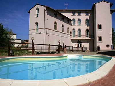 Stunning hotel for sale 40 minutes from Florence