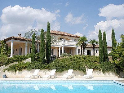 Delightful  4 Bedroom Property for Sale in Seillans,  Provence.