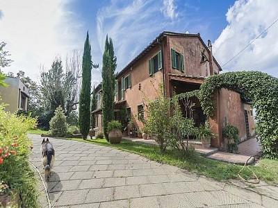 6 bedroom farmhouse for sale, Pisa, Tuscany