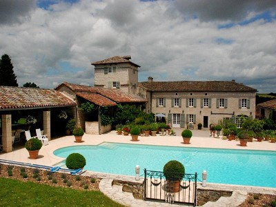 6 bedroom farmhouse for sale, Cordes sur Ciel, Tarn, Midi-Pyrenees