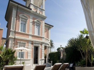 Image 2 | 7 bedroom villa for sale with 350m2 of land, Forte dei Marmi, Lucca, Tuscany 177698